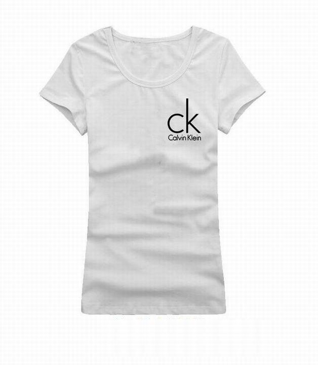 ee3a0ca356 Camiseta Calvin Klein Feminina na Import Clothes