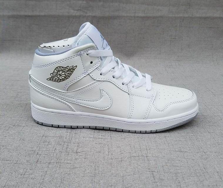 07d15e027f2 Tênis Nike Air Jordan 1 Retro High Feminino na Import Clothes