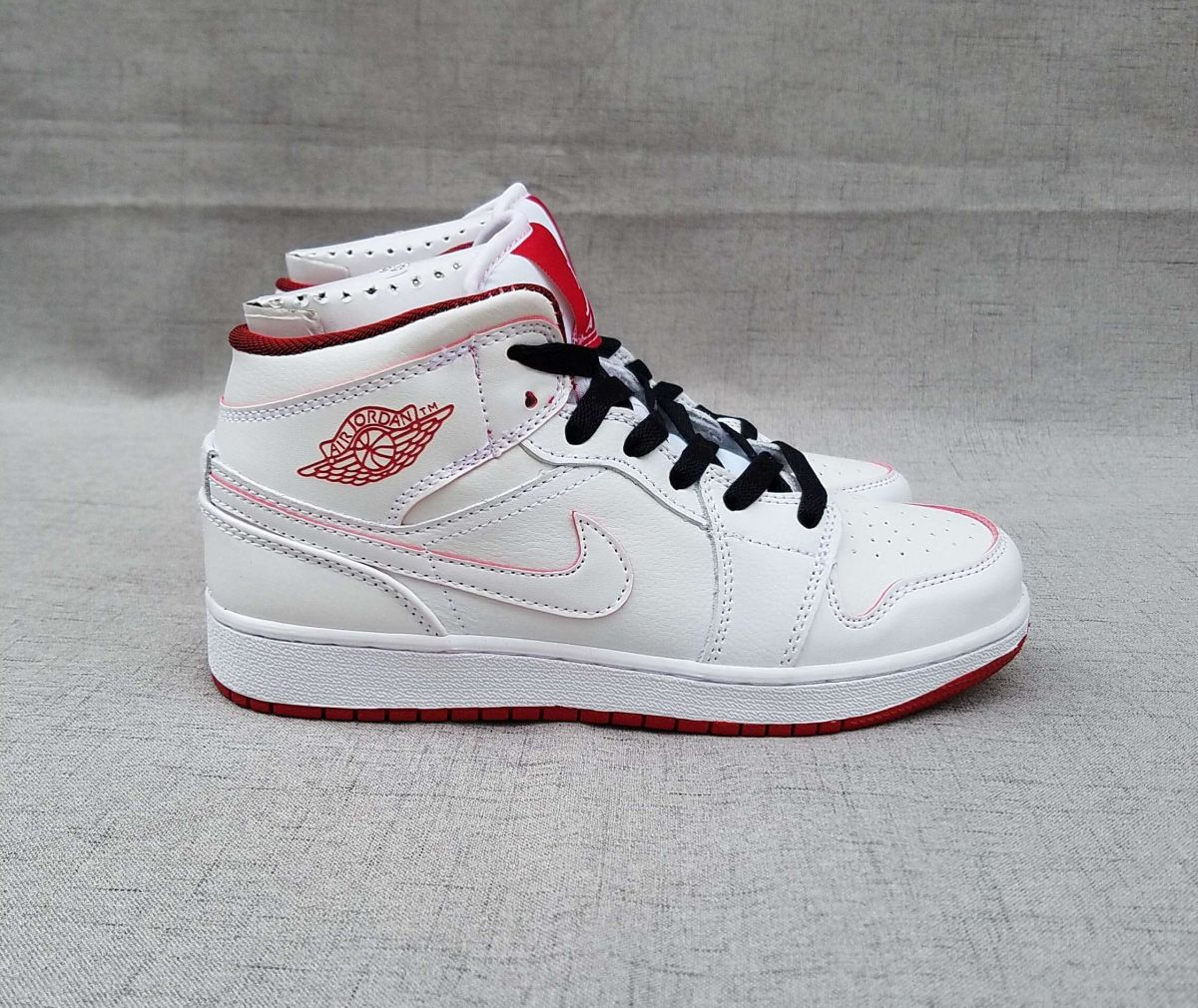 3e10521d880 Tênis Nike Air Jordan 1 Retro High Feminino na Import Clothes